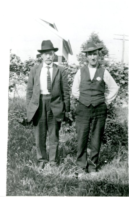 Brothers Bill Kirk (left), Wesley Gideon Kirk (right)